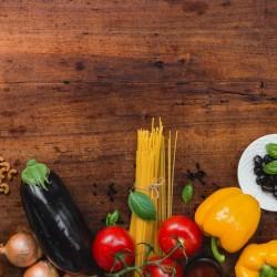 Cesta Mix de Hortaliças e Mercearia - 10 Variações de Itens
